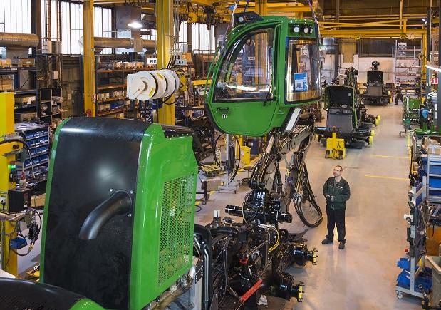 John Deere Forestry investoi Joensuun tehtaaseen - Metsätrans